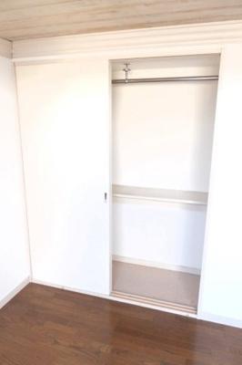 床材、室内設備は号室により異なります。