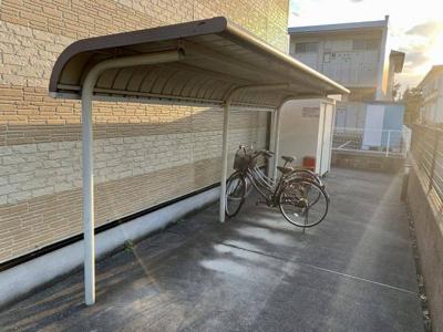 無料駐輪場完備です。