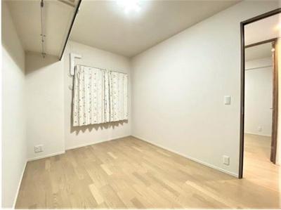 6帖タイプのお部屋です☆ウォークインクローゼットのあるお部屋です☆
