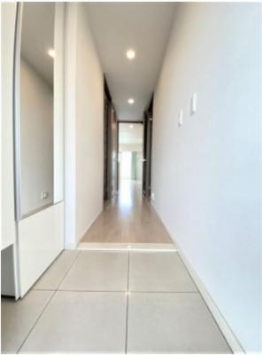 玄関収納も豊富で明るい雰囲気の玄関・廊下スペースです☆