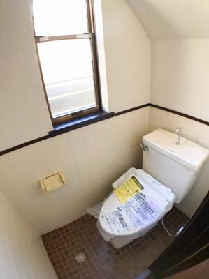 1階トイレの写真です♪
