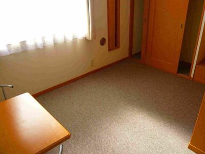 2階は絨毯のお部屋です♪