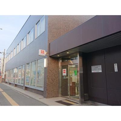 銀行「八十二銀行篠ノ井支店まで304m」
