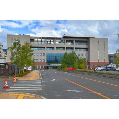 病院「信州大学医学部附属病院まで1418m」