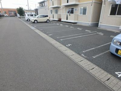 【駐車場】リビングタウン飯岡新田ⅡB