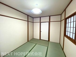 和室6帖です♪バルコニーに面した明るく開放的な居室です!畳、障子張替済み♪お手入れ無しで即ご入居していただけます(^^)