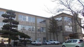 渟城南小学校まで2400m
