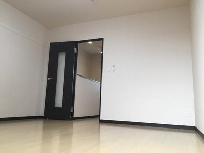 床材や設備等は号室によって異なります。