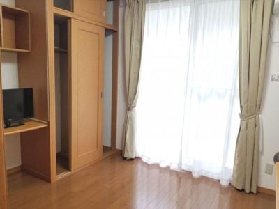 【居間・リビング】レオパレス愛