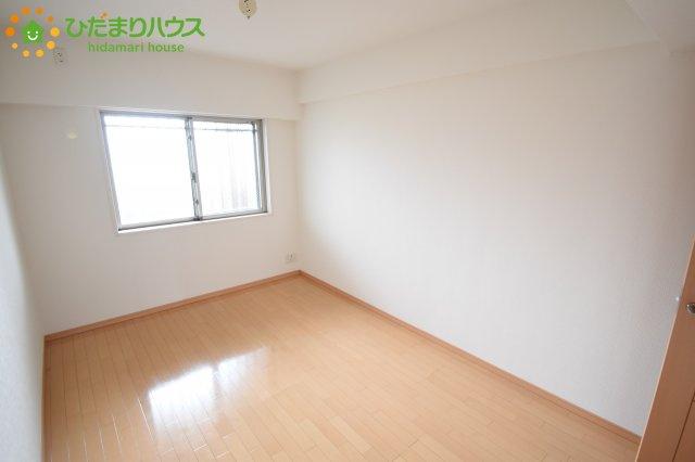 7帖の主寝室!十分な広さがあるので、大切なプライベート空間を素敵に演出できます♪