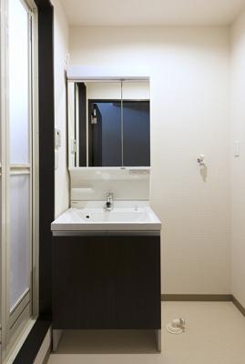 【洗面所】スリーハーブズメルヴェーユ三国ヶ丘