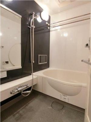 【浴室】レジデンス三宿 ネット無料 デザイナーズ賃貸 2人入居可