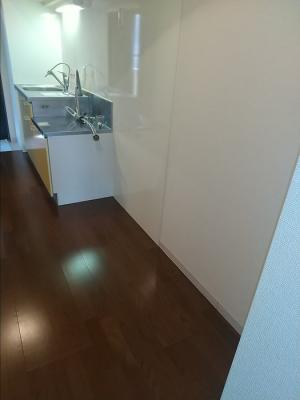キッチン横のスペースは広めです