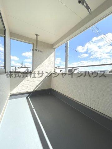 4.5帖洋室のクローゼットも天井までたっぷり収納出来ます!