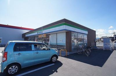 ファミリーマート 飯能岩沢店まで600m