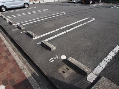 【駐車場】バイエリッシュビラ