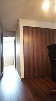 リビング横和室、約6帖