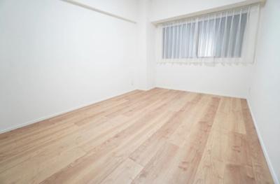 芝パークサイドハイツの洋室です。