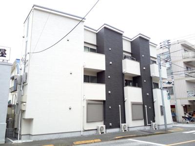 2015年9月竣工の綺麗な建物です。