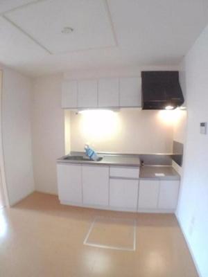 【キッチン】リバ-サイドハウスA