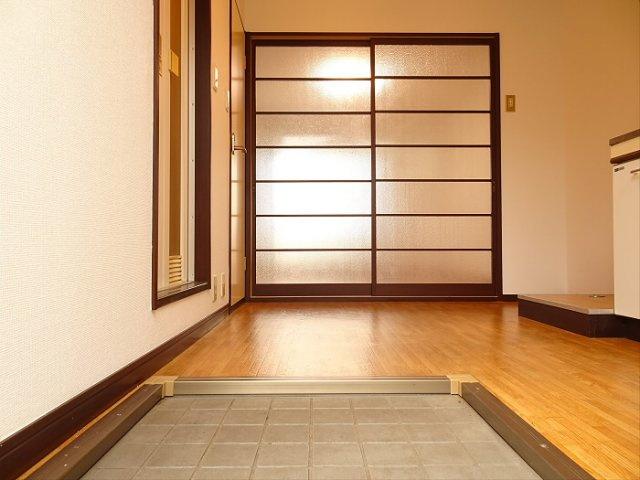 【玄関】ラドミール