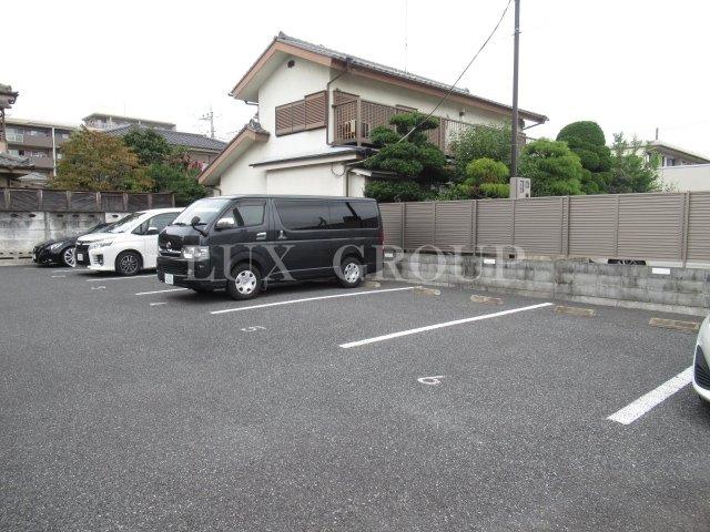 【駐車場】ファミーユ榎本B棟