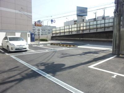 【駐車場】レオンコンフォート新梅田Ⅱ