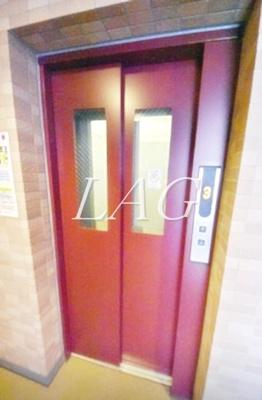 共有エレベーターです。