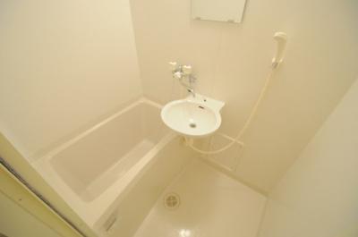 【浴室】レオパレスすずらん