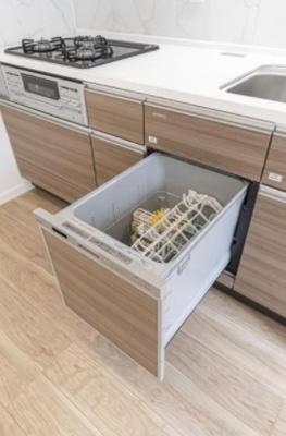麻布狸穴ナショナルコートの食洗器です。