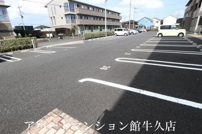 【駐車場】ラ・ぺジブルB