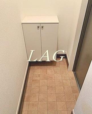 玄関になります。