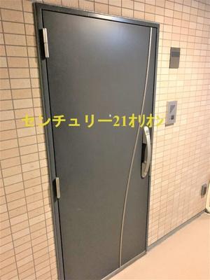 【玄関】クレアシオン目白通り