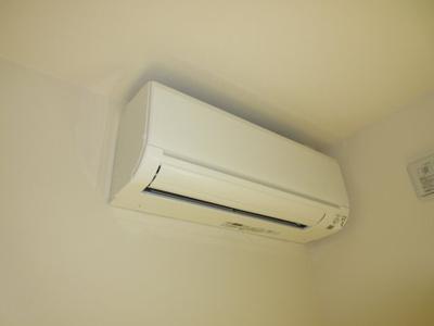 寒冷地用エアコン