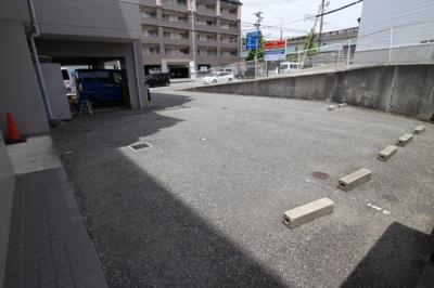 【駐車場】プリムローズ正野