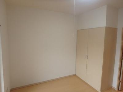 【洋室】ヴェルト三軒茶屋