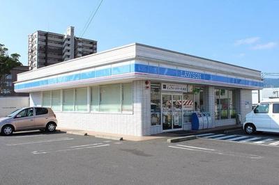 ローソン 伊万里駅前店まで450m
