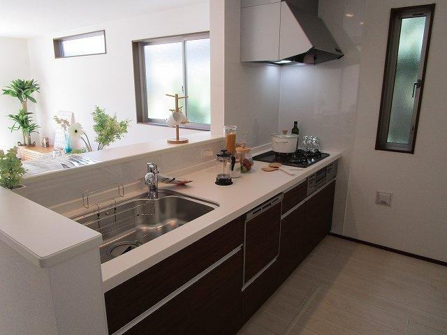 【キッチン】早良区梅林6丁目新築戸建 1号棟