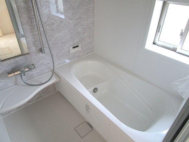 【浴室】早良区梅林6丁目新築戸建 2号棟