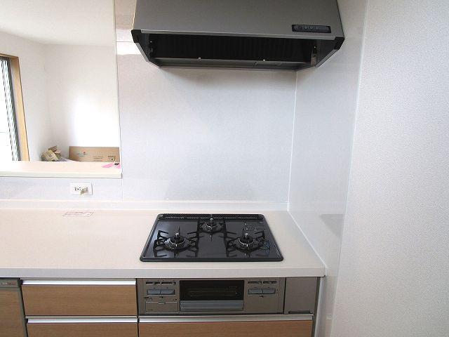 【キッチン】早良区梅林6丁目新築戸建 3号棟