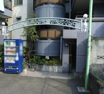 【エントランス】エル・ヴィーナ三軒茶屋