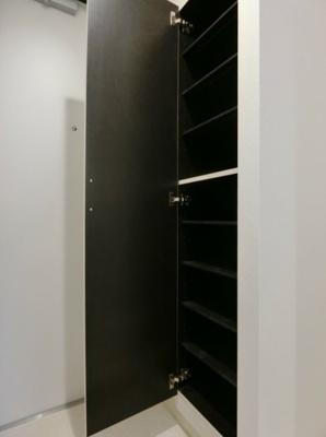 シューズボックス付きの玄関(同一仕様)