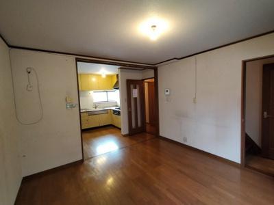 2階LDK(約17帖):リビング階段ですとご家族の出入りがわかり安心ですね♪