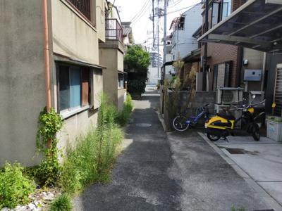 【前面道路含む現地写真】東大阪市菱屋東2丁目中古戸建て