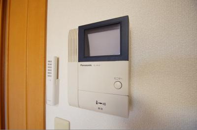 安心のTVモニター付きインターホン