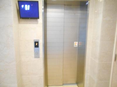 エレベーター カメラ付き