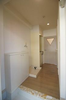 玄関です ※同間取りの別部屋の写真です