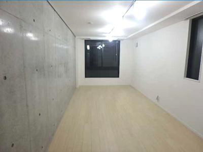 【居間・リビング】LUORE三宿 築浅 浴室乾燥機 独立洗面台 南向き