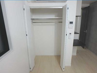 【収納】LUORE三宿 築浅 浴室乾燥機 独立洗面台 南向き