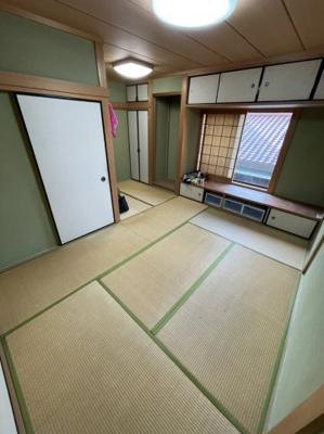 和室スペースもございますので、客間や小さなお子様の遊び場としてもお使い頂けます。